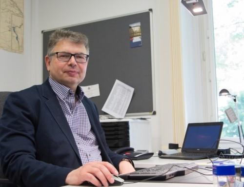 """Ein """"Alleinlassen des Globalen Südens""""? Prof. Dr. Jürgen Zimmerer im Deutschlandfunk über die Ähnlichkeiten der Reaktionen auf HIV und COVID"""