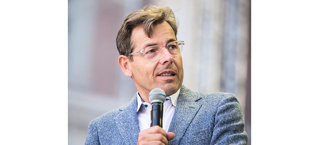 Das Foto zeigt ein Porträt des Kunsthistorikers Prof. Dr. Hartmut Dorgerloh.
