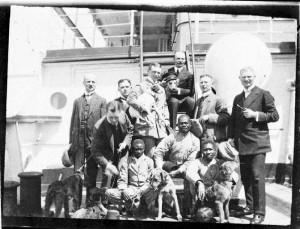 men and dogsskal